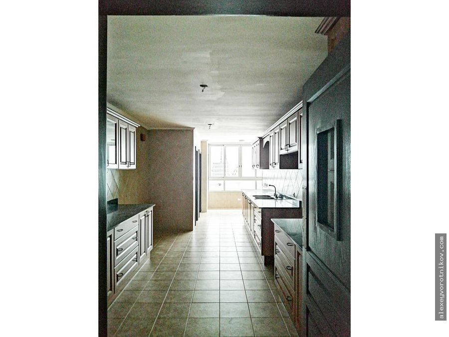 amplio apartamento en venta ubicado en marbella negociable