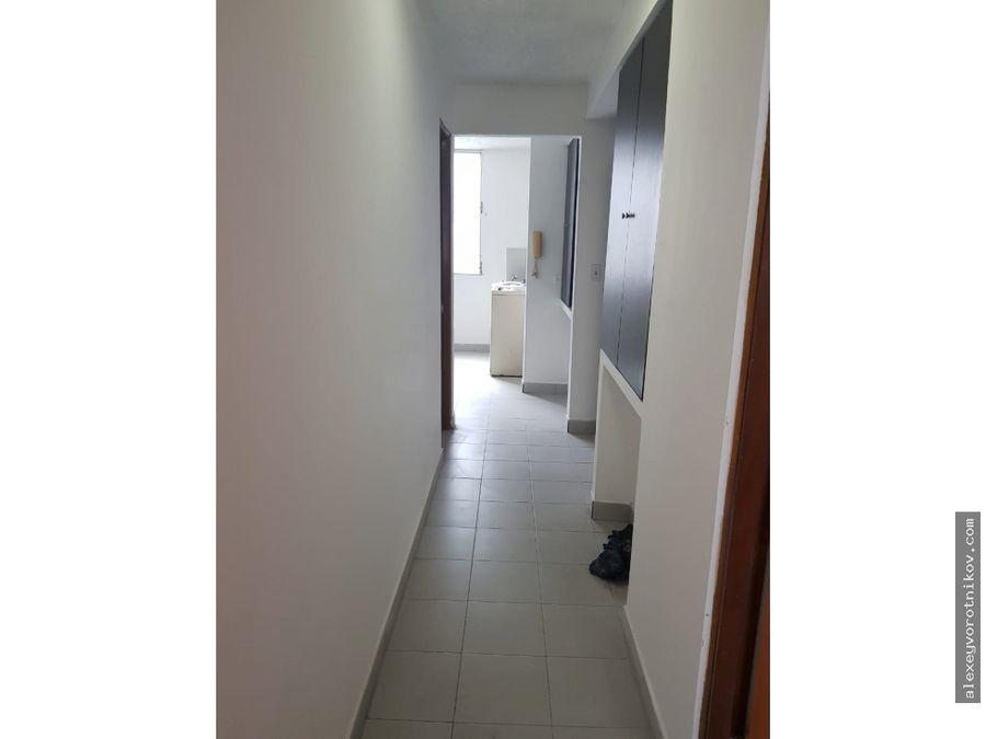 se alquila apartamento de dos habitaciones en parque lefevre