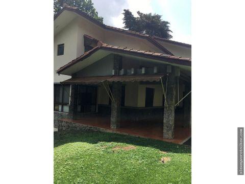 se alquila hermosa casa en albrook camino de cruces mg