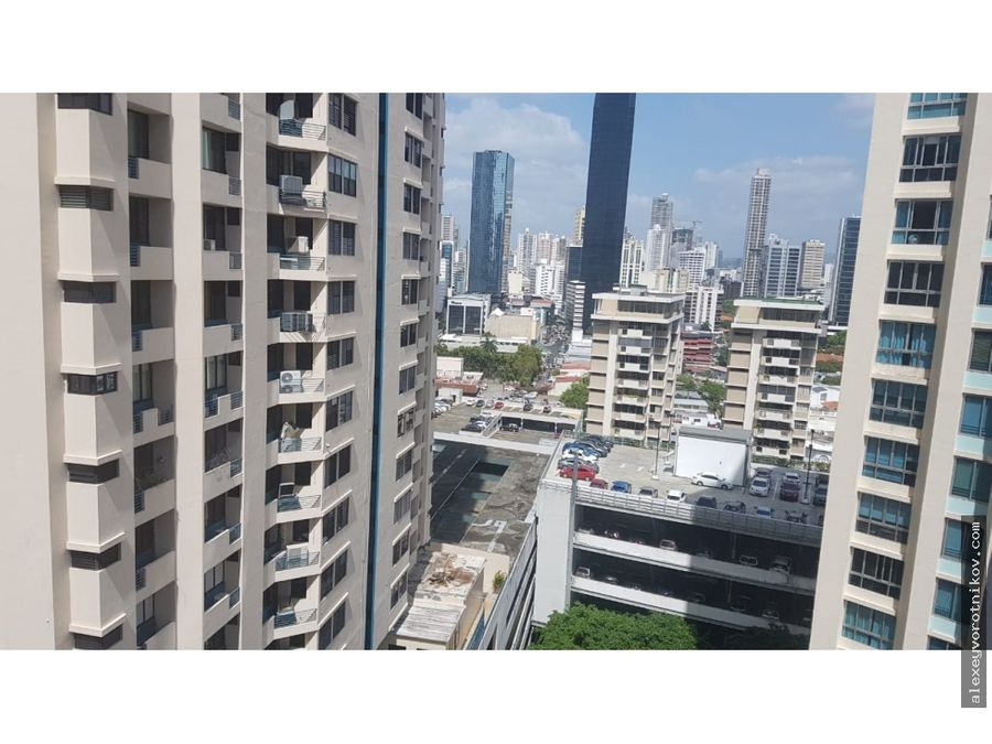 se vende apartamento ubicado en ave balboa