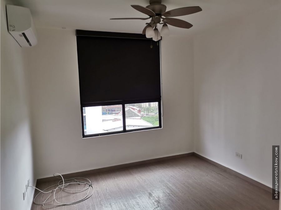se alquila apartamento con linea blanca ubicado en condado del rey