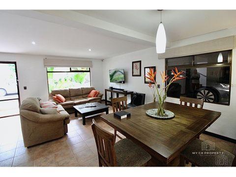 guachipelin casa a la venta en residencial privado