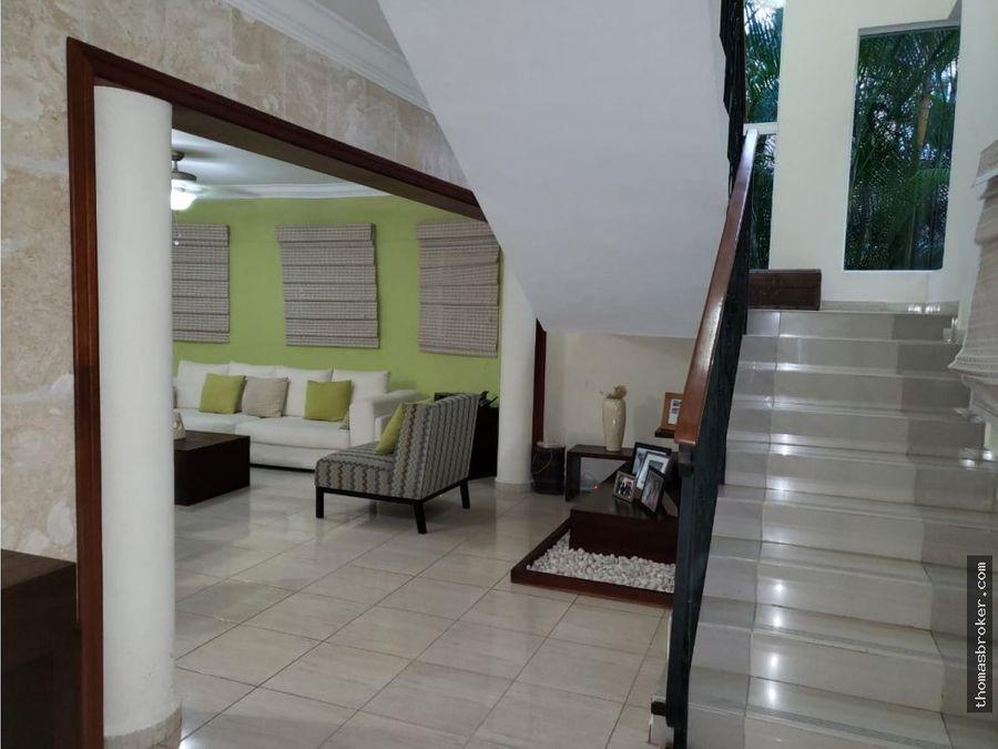 villa privada en metro country club juan dolio