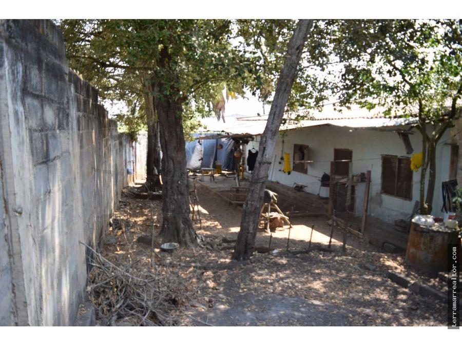 venta de casa y lote en zona comercial lorica