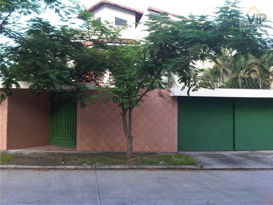 casa en venta en villa eugenia