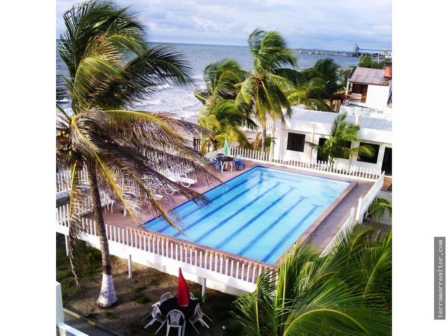 alquiler de cabanas frente al mar con piscina