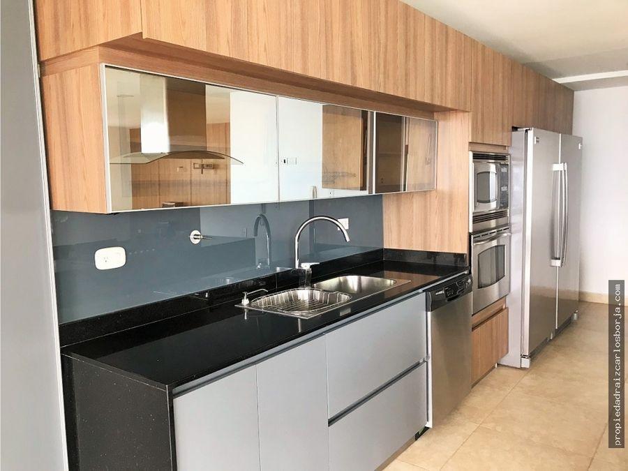 apartamento en venta en el poblado la calera
