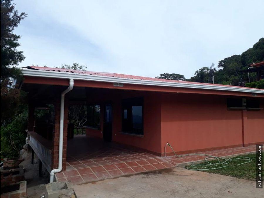 v122 casa con vista en alquilerciudad colon