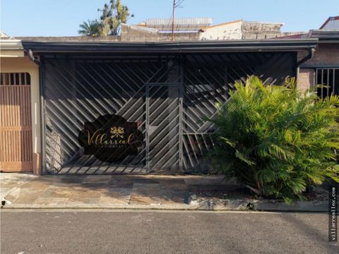 v96 comoda casa en venta mercedes heredia