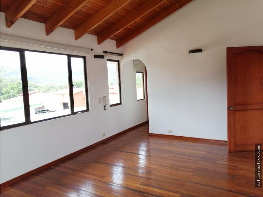 v26 casa con vista en venta en curridabat