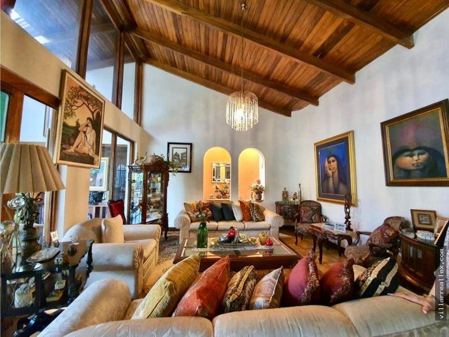 v143 hermosa casa en alquiler escazu