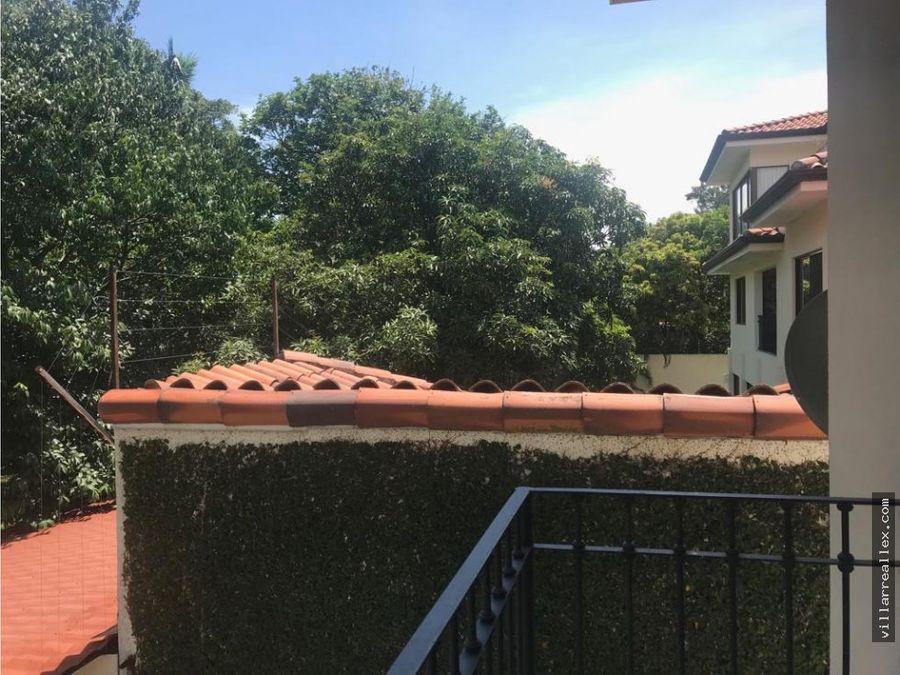 v36 venta lujosa casa santa ana