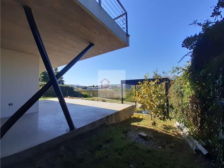 exclusiva casa en venta con vista al rio en valdivia