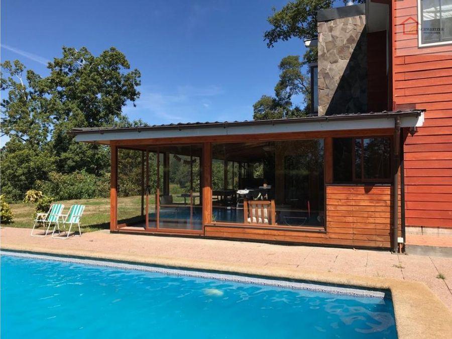 hermosa casa en riberas de miraflores valdivia