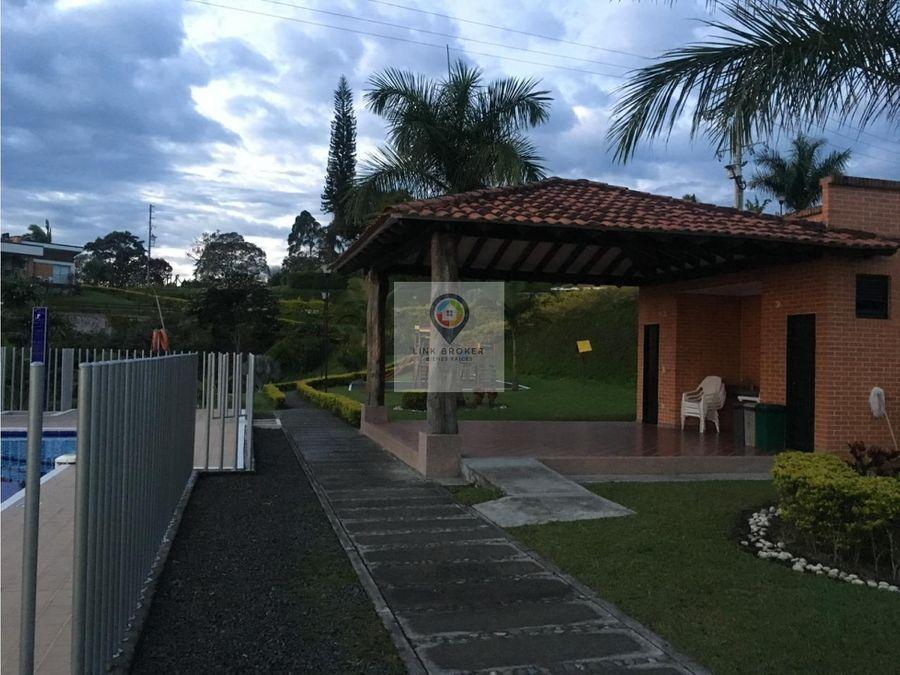se vende casa campestre en el sector de condina
