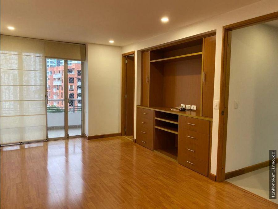 apartamento en cra 20 sector pinares