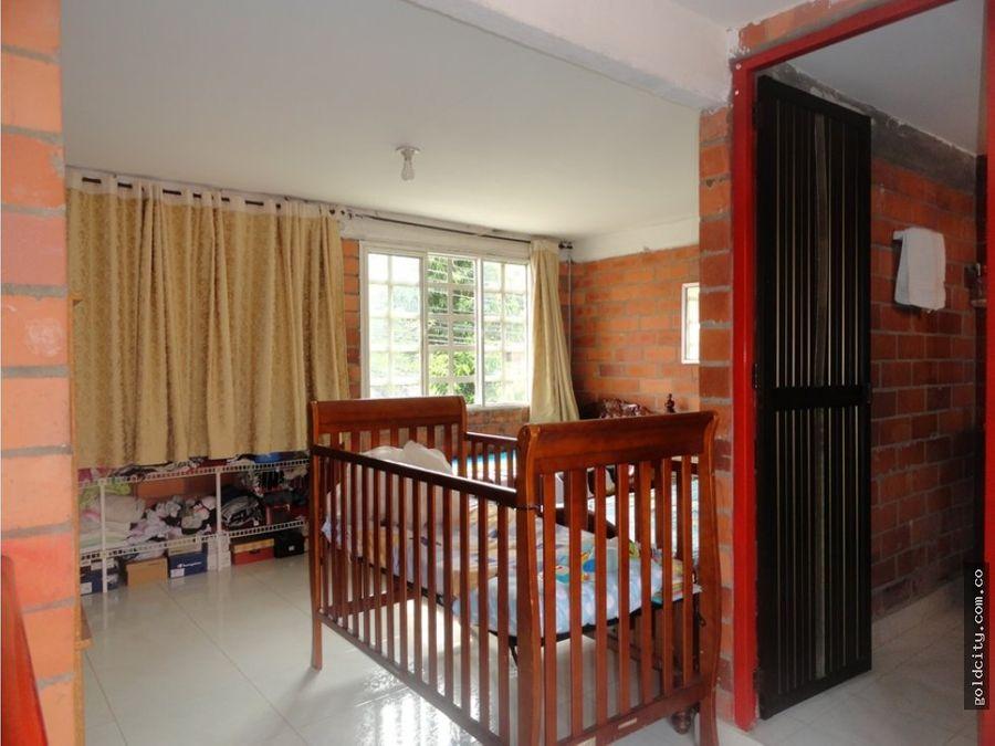 venta casa esquinera en compartir