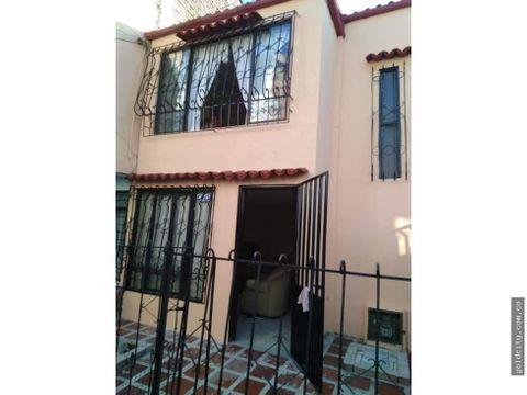 venta casa via peatonal barrio floralia