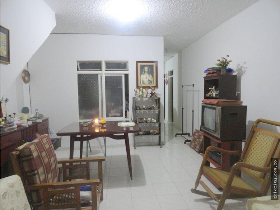 venta casa esquinera triplantas en junin