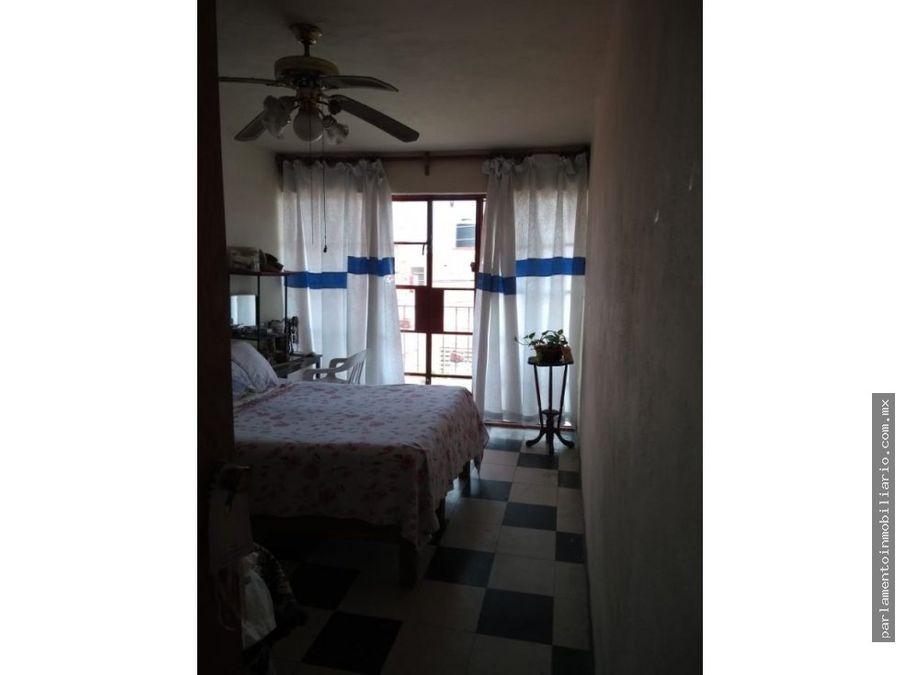 se vende casa en civac de 2 niveles