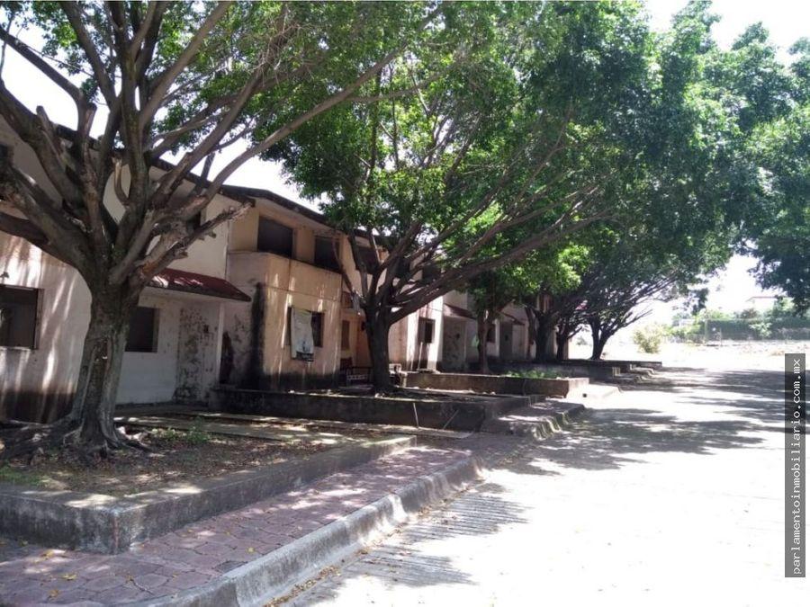 se vende terreno con 37 casas en obra gris