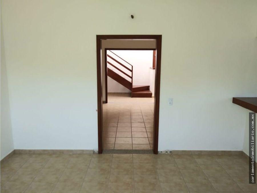 se vende casa en subida chalma