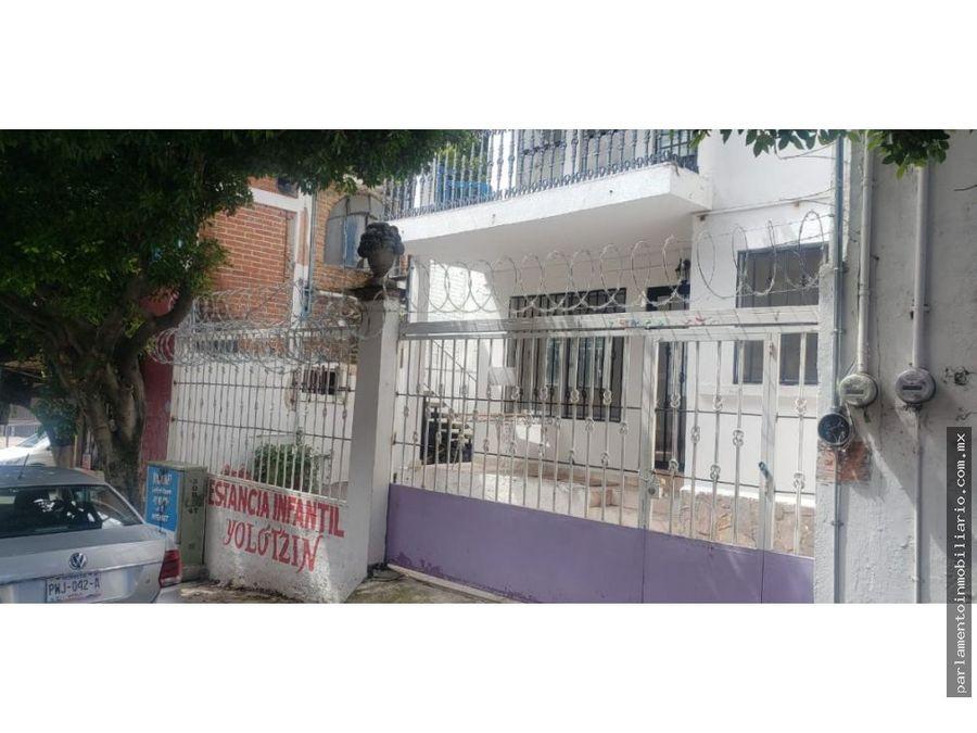 se vende casa en esquina de sobre leyva