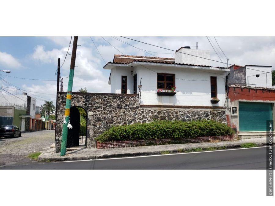 se vende casa en avenida palmira
