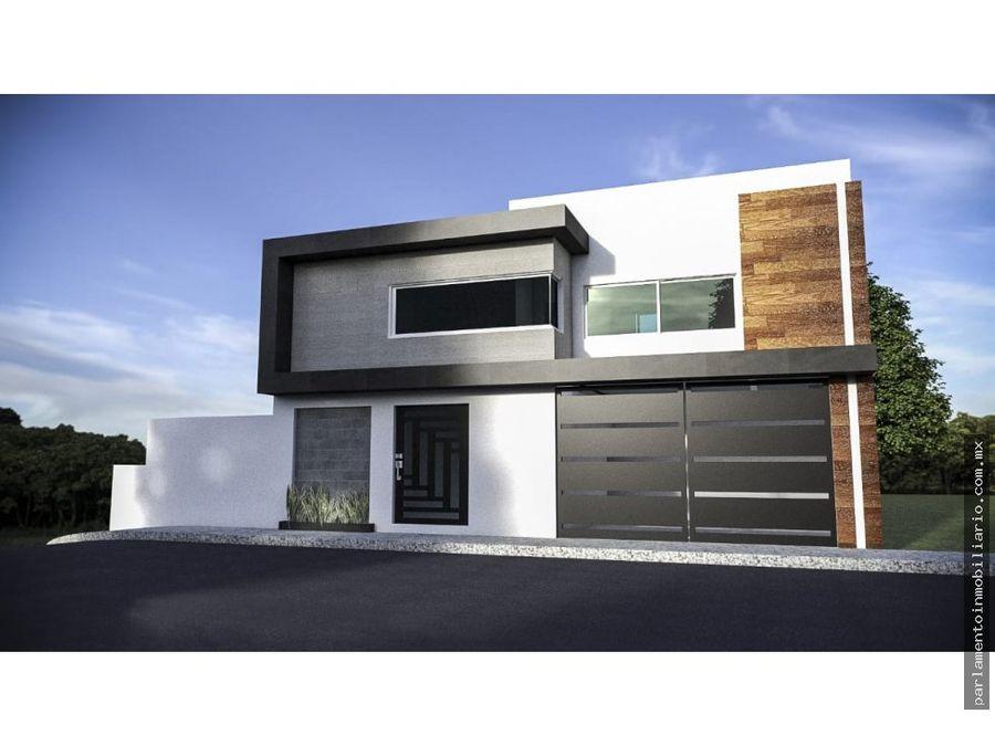 se vende casa en tres niveles con acabados de primera