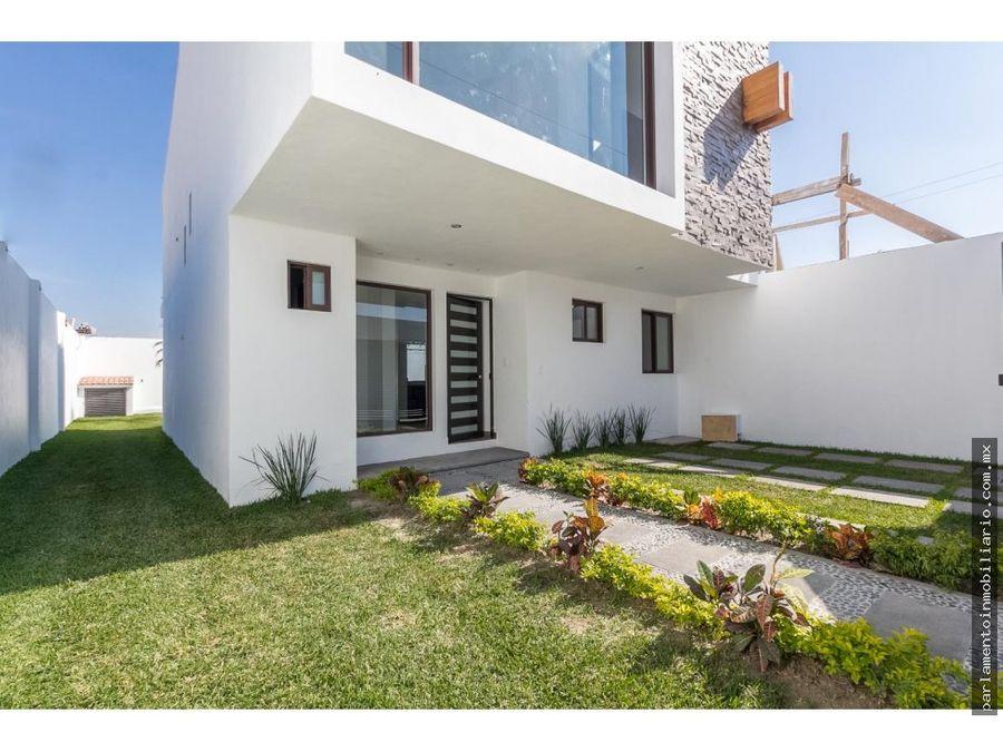casa con alberca propia en tequesquitego 200 mts de terreno