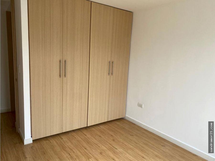 arriendo amplio apartamento en parrales ibague