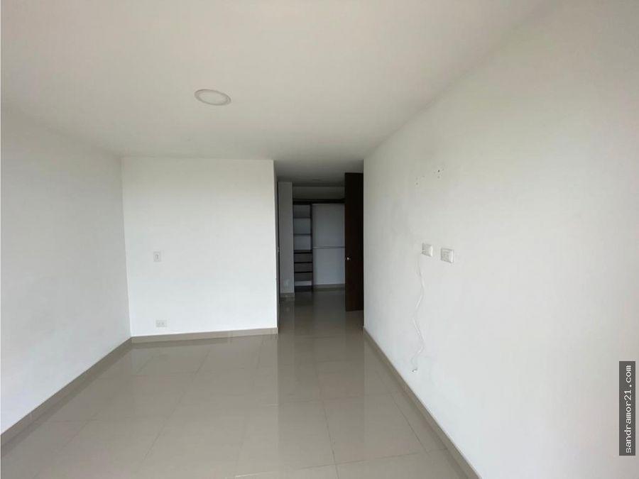 arriendo amplio ampartamento 2 habitaciones piso 10 esquinero
