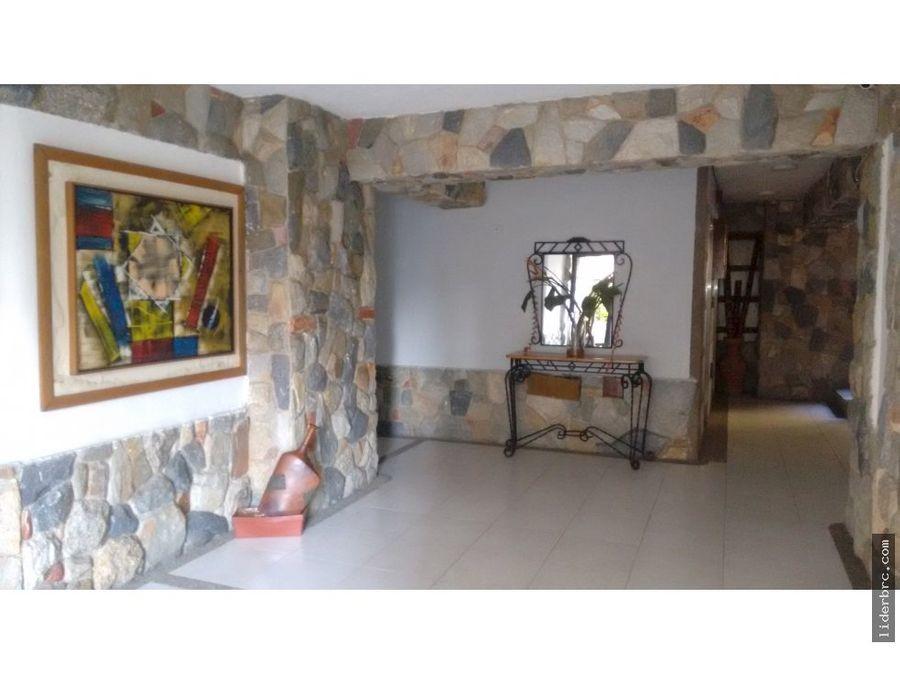 amplio apartamento en venta en las chimeneas