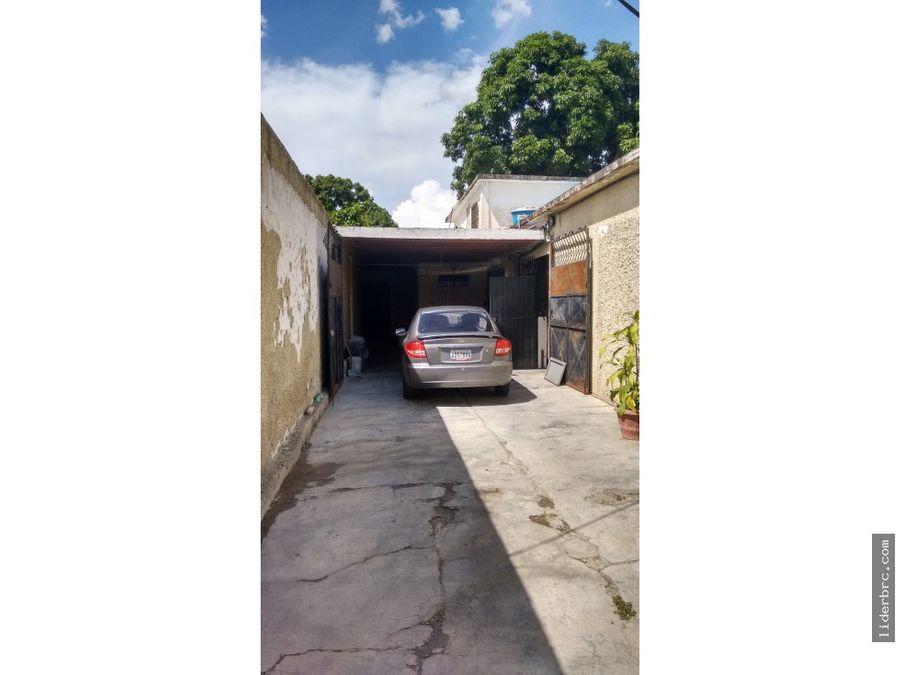 en venta amplia casa en santa ana naguanagua
