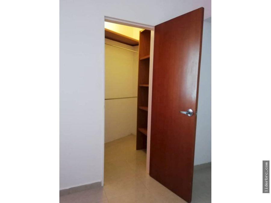se alquila apartamento en urb la trigalena