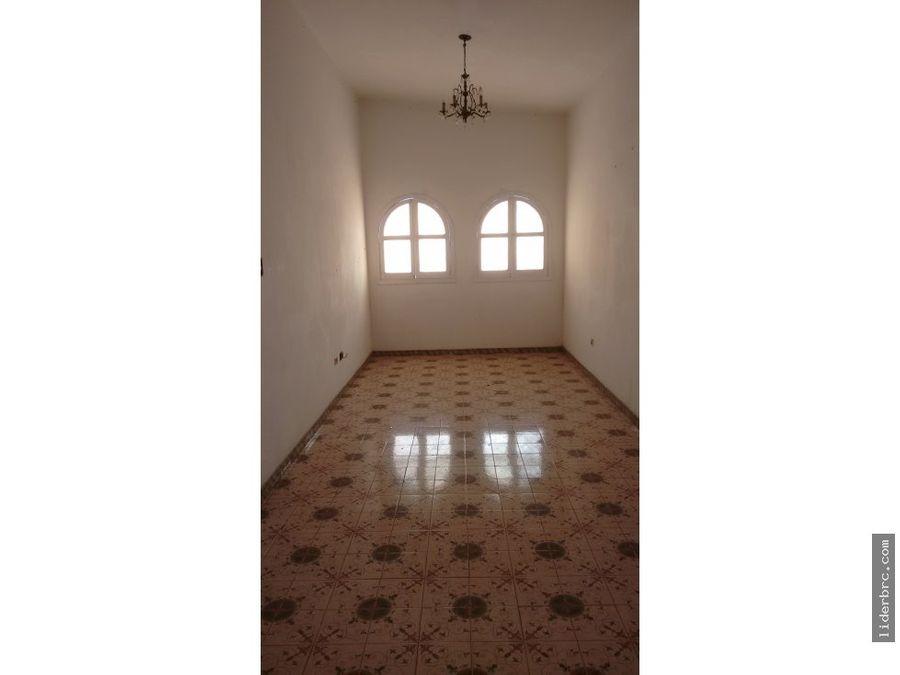 en alquiler amplia casa en valencia