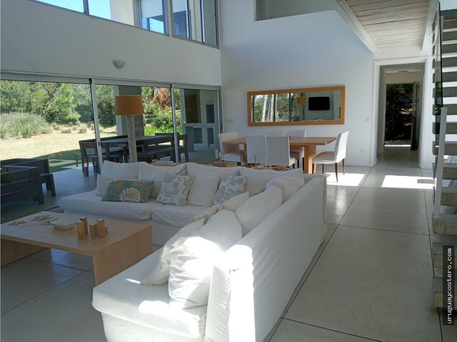 casa en alquiler y venta laguna blanca