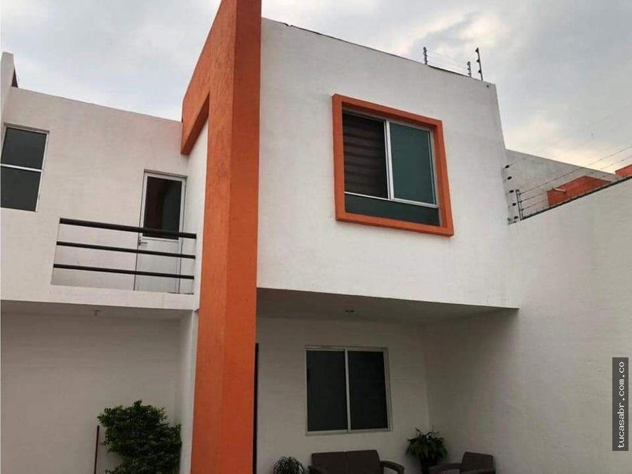 linda casa en jiutepec centro