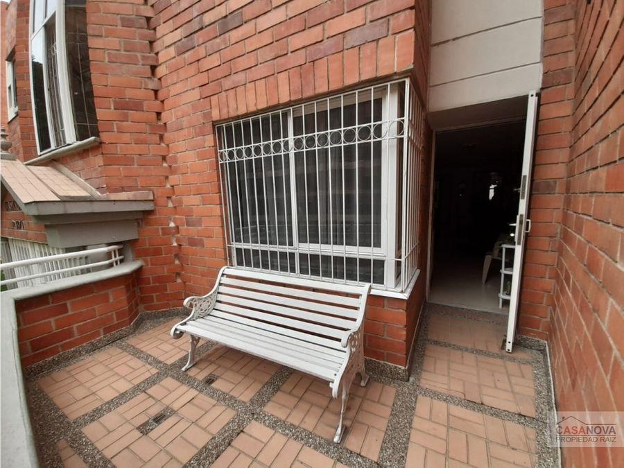 apartamento en venta en laureles patio balcon