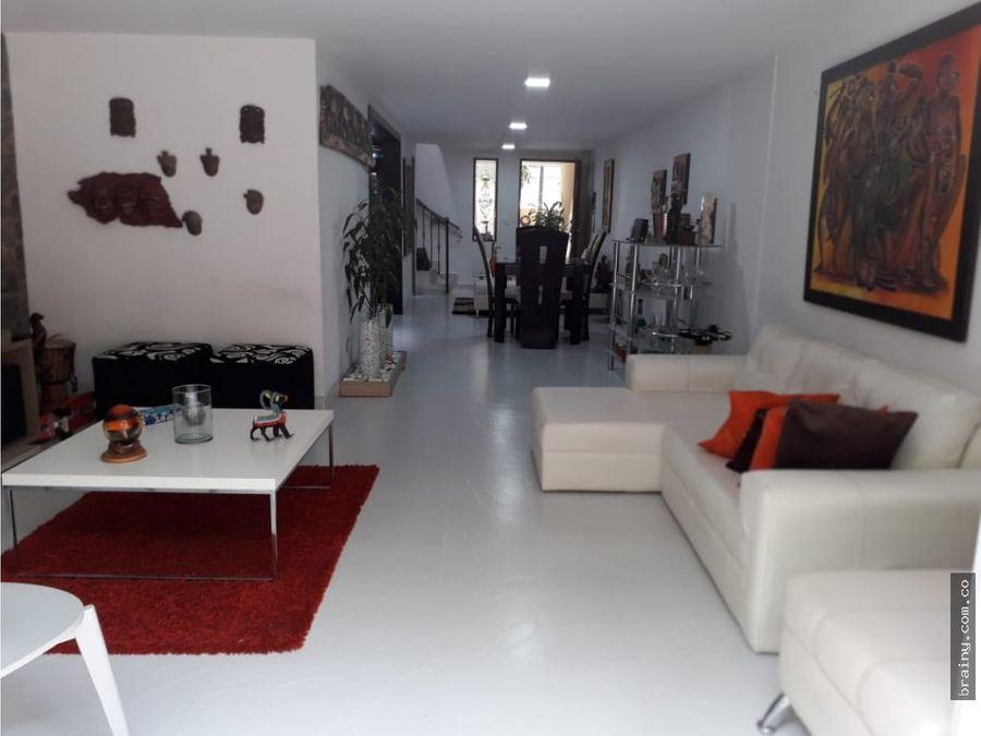 casa en venta en senorial envigado