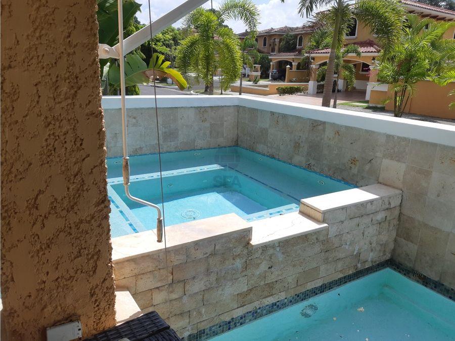 sea confiable vende casa con piscina en clayton village