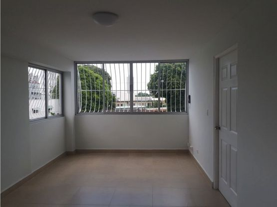 se alquila apartamento en edificio don peter