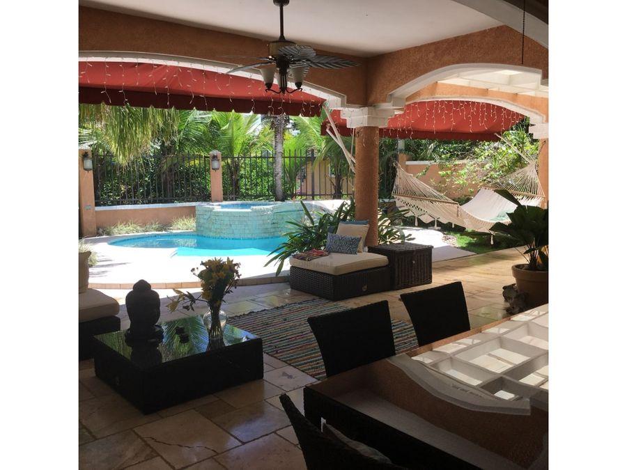 sea confiable vende casa con piscina y jardin en clayton village