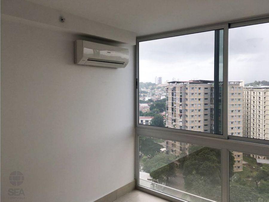 vendo apartamento en ph skypoint de 82m2