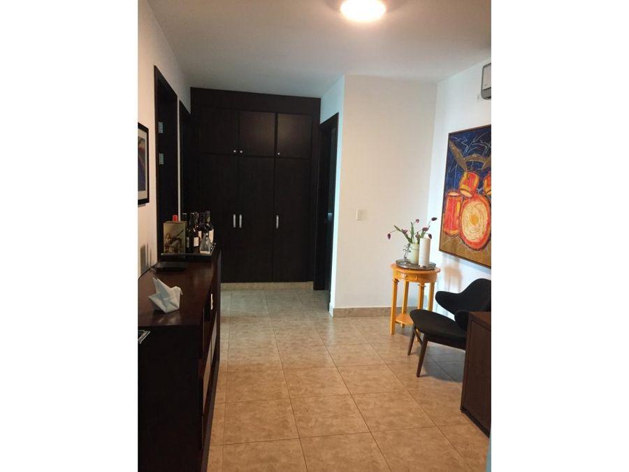 se vende apartamento ph titanium costa del este