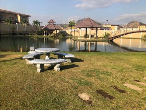 sea confiable vende casa en dorado lake con avaluo