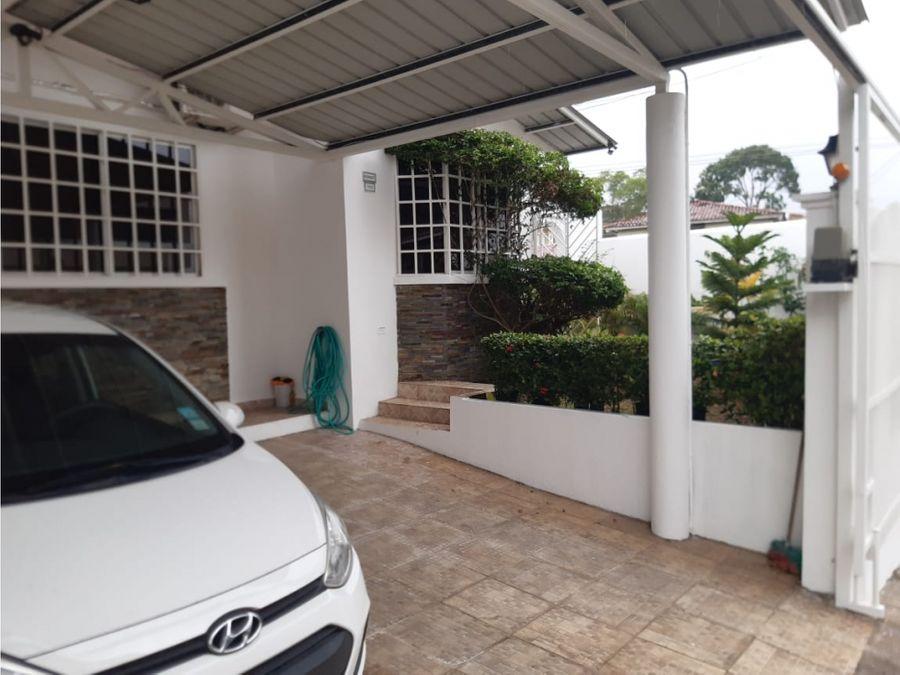 sea confiable vende casa en quintas de villa lucre