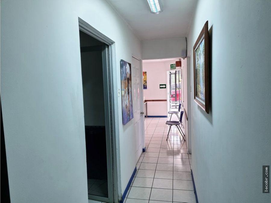 alquilo consultorio especialidades medicas laboratorio farmacia optica