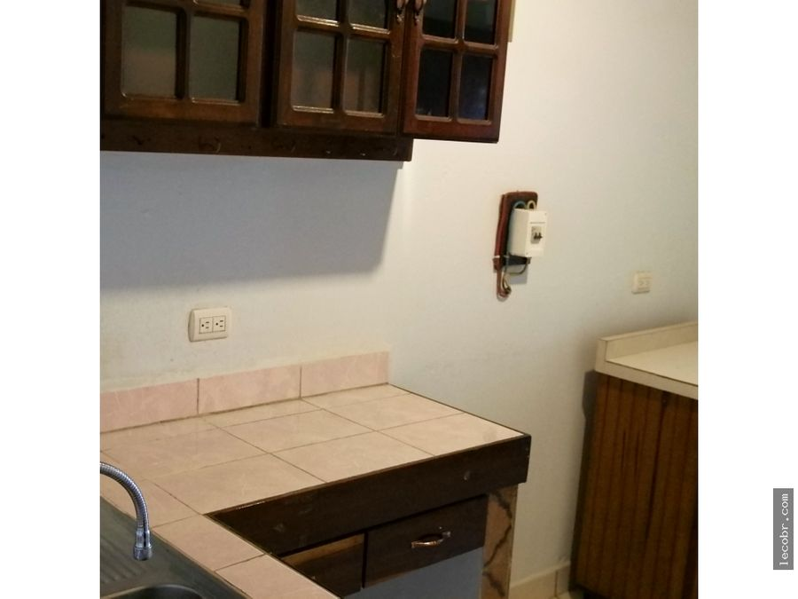 alquilo apartamento grande piso 3 guadalupe 350000