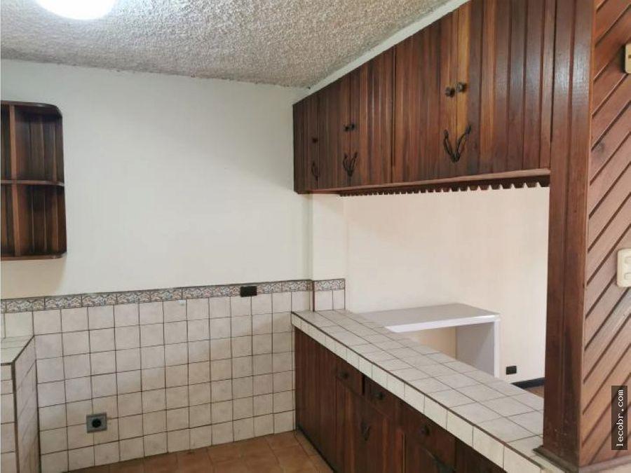 alquilo apartamento zapote contiguo sede lechera